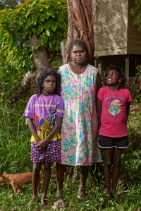 2014_may17_angurugu_portraits_amy_y0638_p_lr
